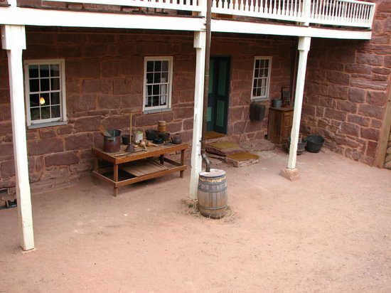 Pipe Spring National Monument: In the courtyard of the fort building.