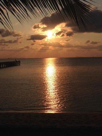 InterContinental Samui Baan Taling Ngam Resort: coucher de soleil depuis notre villa