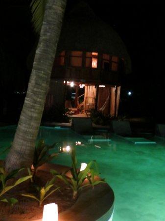 Hotel Tortuga Village: Perfect midnight swim