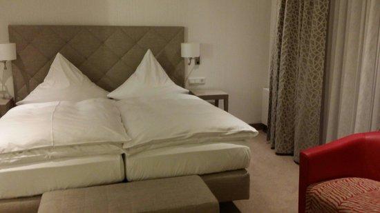 Kastens Hotel Luisenhof: Comfy bed...