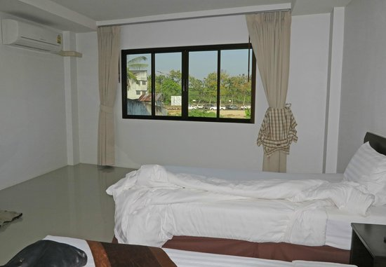 Lada Krabi Residence : Zimmer mit Blick Richtung Fluss