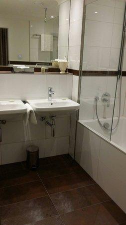 Kastens Hotel Luisenhof: Bathroom