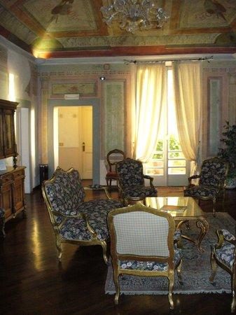 Hotel Fortuna: La biblioteca