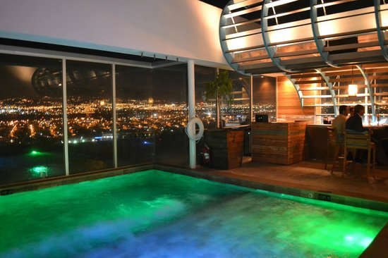 8ctavo Rooftop Restaurant & Lounge: Pool