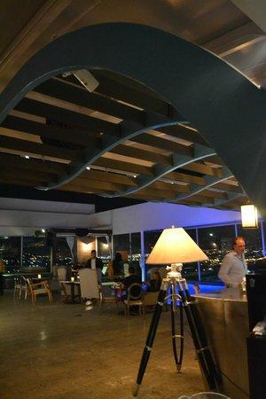 8ctavo Rooftop Restaurant & Lounge: Bar