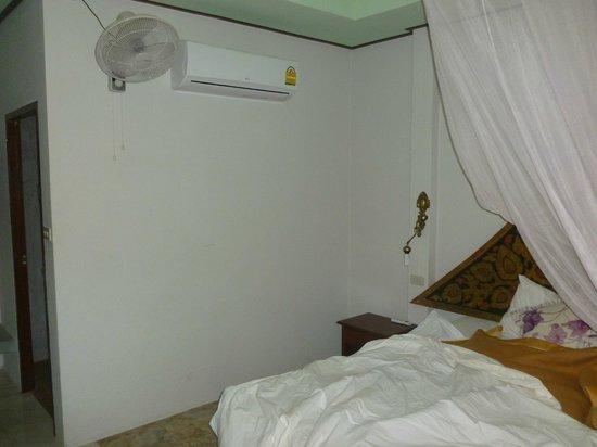 Khao Sok Green Valley Resort: Chambre propre mais ménage jamais fait