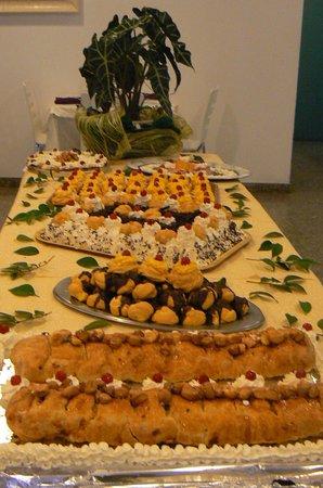 Capinera Hotel : Buffet di dolci