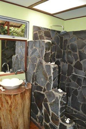 Casa Batsu: Bathroom