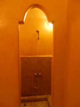 Riad & Spa Esprit du Maroc: dusche