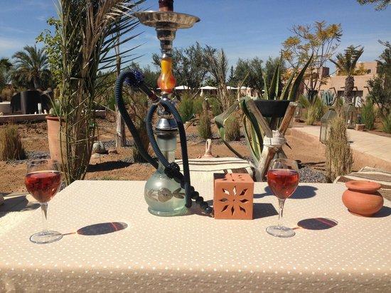Rose Sultan : tente berbère au fond du jardin