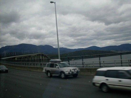 Tasman Bridge: Crossing the bridge