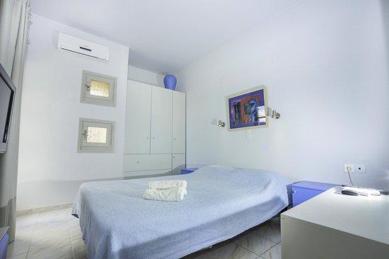 Elounda Garden Suites: Bedroom
