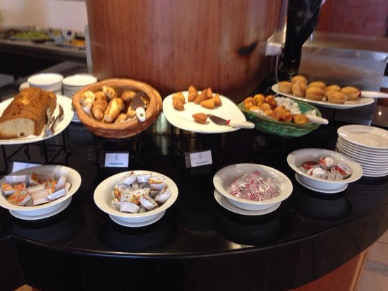 The Panari Hotel: Il buffet per la colazione