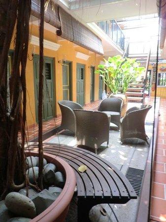 Yeng Keng Hotel: Level 1 sitting area