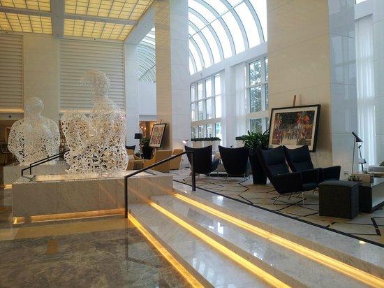 Le Royal Meridien Abu Dhabi: Lobby