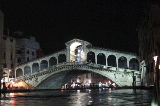 Al Ponte Antico Hotel : Evening drinks