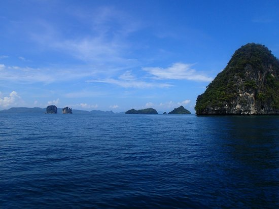 Amari Vogue Krabi: Longboar trip to nearby islands