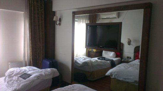 Santa Pera Hotel: Room