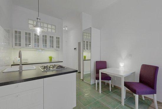 Sodispar Serviced Apartments : studio Dallas Szpitalna street