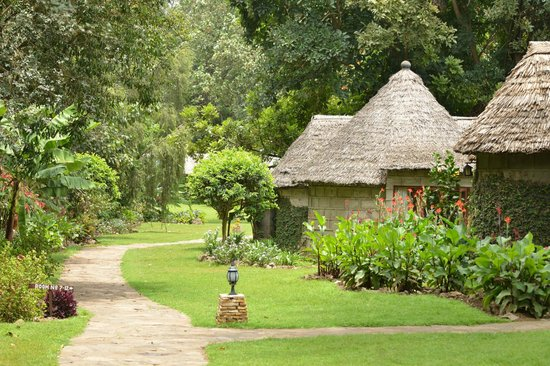 Lake Duluti Serena Hotel: The footpath to paradise