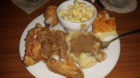 Darrell's Restaurant: Fried Chicken!