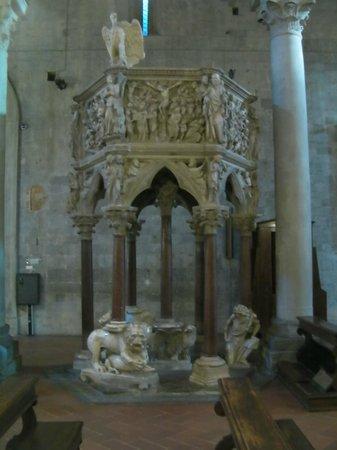 Sant'Andrea: Pulpito Nicola Pisano