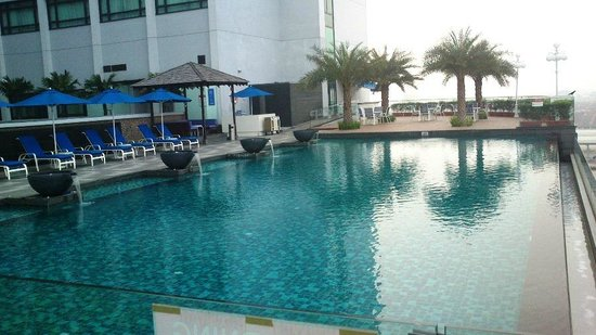 The Royale Chulan Damansara: Poolside...