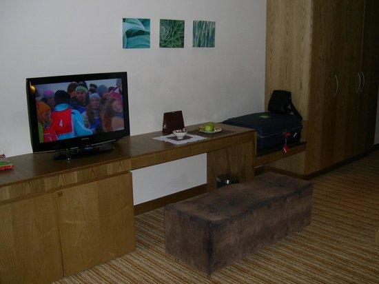 Traders Hotel, Qaryat Al Beri, Abu Dhabi: Zimmer