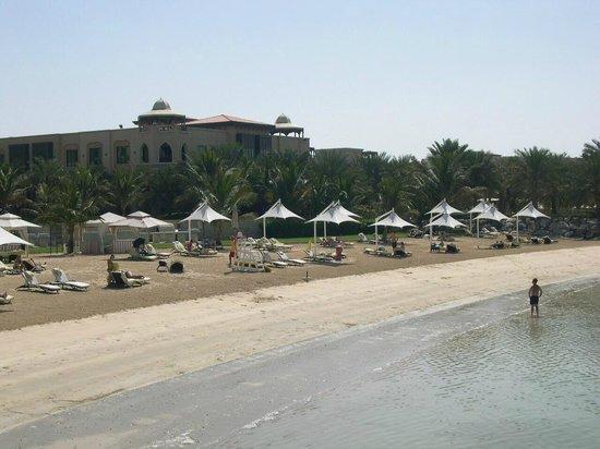 Traders Hotel, Qaryat Al Beri, Abu Dhabi: Strand
