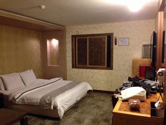 Hotel Amour & Symphony: Room
