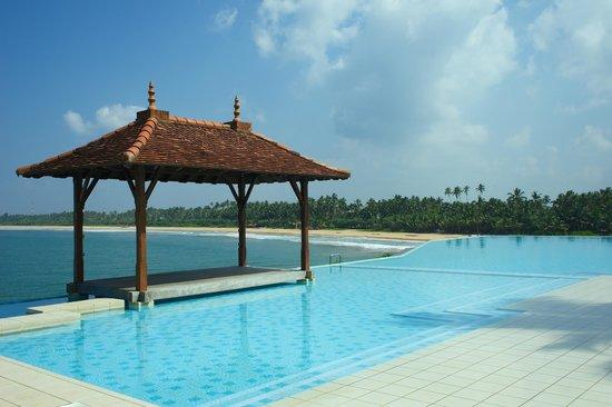 Saman Villas : Schöner Pool mit grandioser Aussicht
