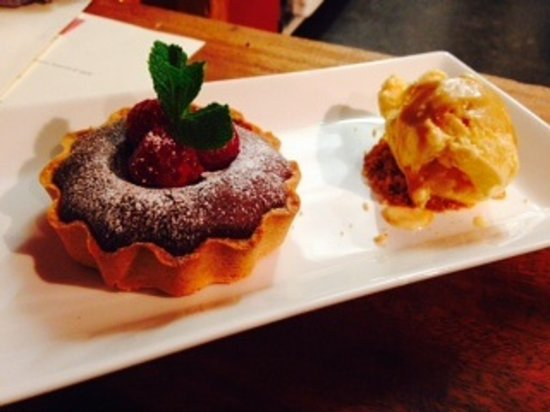 Glutton Club: Our new Hot Chocolate Tart with Raspberries and homemade vanilla ice cream