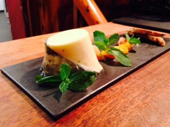 Glutton Club: Lemon mint and Prosecco Pannacotta with citrus compote and biscotti