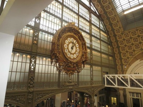 Musée d'Orsay: Elaborate old train-station clock