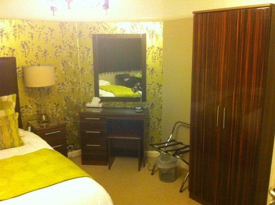 Milvil Corner Bed and Breakfast : Dressing table