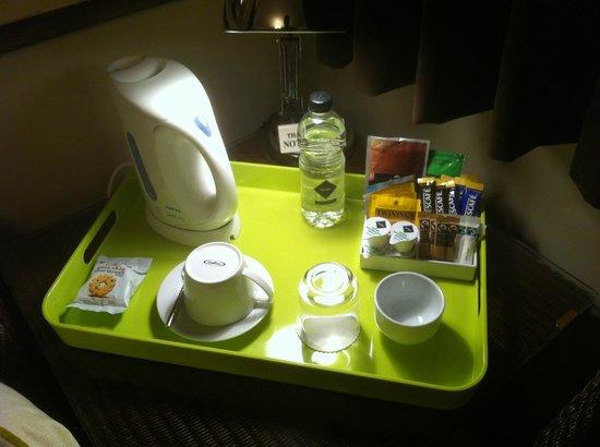 Milvil Corner Bed and Breakfast : tea and coffee making facilities