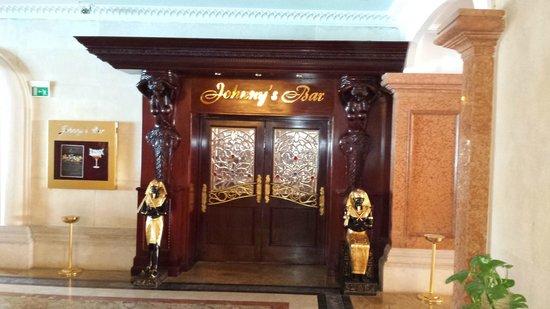SENTIDO Palm Royale: Jonny's Bar