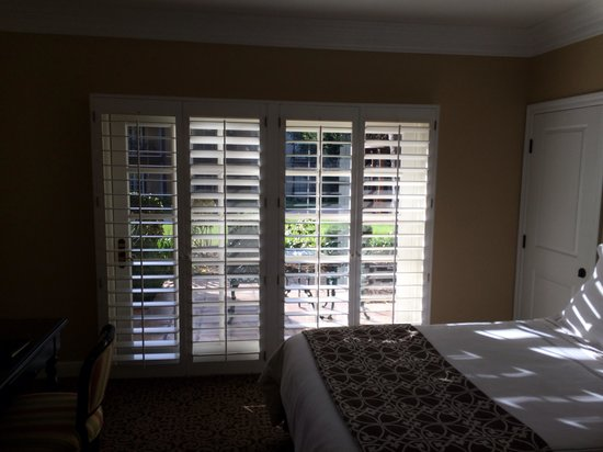 Westlake Village Inn: Room