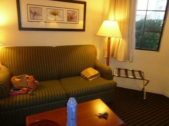 Buena Vista Motor Inn: comodo sillon para desayunar