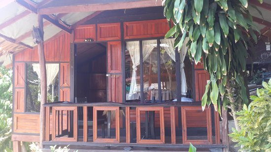 Maney Resort: bungalow looks very good from outside