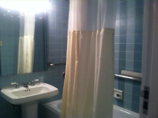 Resorts Casino Hotel: Small but Adequate Bathroom
