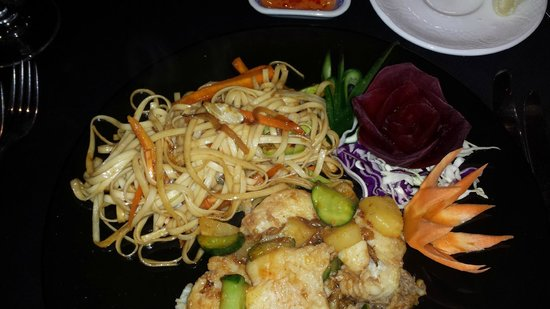 SENTIDO Palm Royale: Sea Bass and noodles...