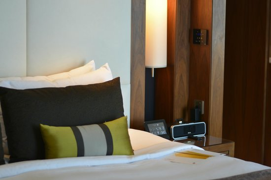 JW Marriott Marquis Hotel Dubai: Nice comfortable bed