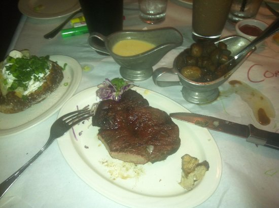 Charley's Steak House & Seafood Grille: The BEST steaks in the World!!