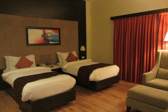 Ramada Chennai Egmore: Schönes geräumiges Zimmer