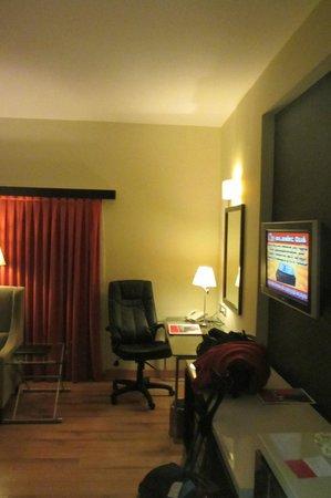 Ramada Chennai Egmore: Zimmer mit TV