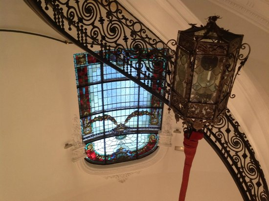 AC Palacio Del Retiro, Autograph Collection: Main staircase