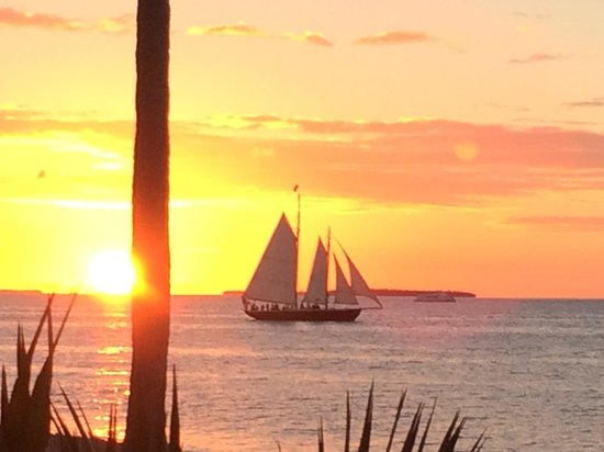 Sunset Key Cottages : Sunset from Latitudes