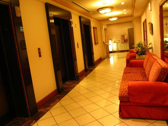 Hotel Nikko Princess Kyoto : 1階エレベーターホール