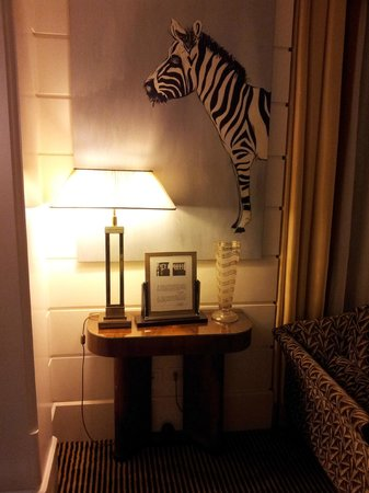 Hotel Lord Byron : meubles art deco